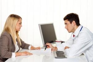 Vor der Untersuchung führt Ihr Frauenarzt ein Gespräch (Anamnese)
